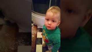 'Кто это сделал?' (малышу 1 годик) :))