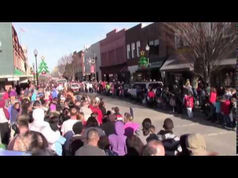 Roxboro Christmas Parade 2020 Roxboro Christmas Parade 2014   YouTube