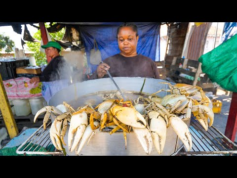Jamaican Street Food in Kingston!! 🦀SPICY CRAB POT + Jerk Pan Chicken in Jamaica 🇯🇲