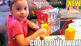 ROBLOX TOYS SERIES 5 UNBOXING + CODES GIVEAWAY!