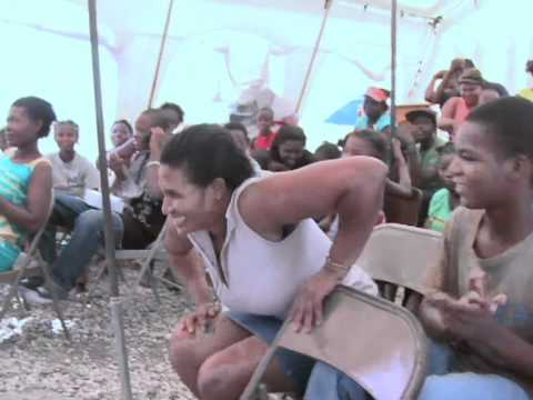 Theatrical therapy for quake-hit Haitians