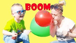 Саймон и мама надувают и лопают шарики
