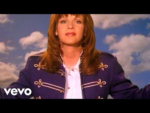 Patty Loveless - I Try To Think About Elvis