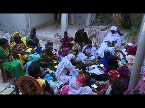 Sénégal: la tontine, ou le micro-crédit au féminin