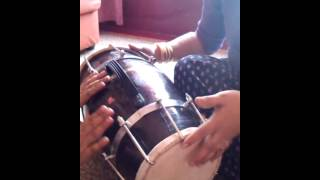 How to play ladies dholki