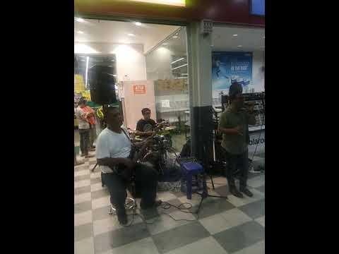 Twenty Band & Ahmad Dullah - Sampai Atei (busking CKS Tuaran)