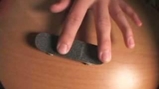 FINGERBOARDING - kickflip trick tip