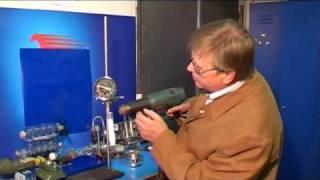 Как работает двигатель внутреннего сгорания? ч.1.(Видео про то, как устроен и как работает двигатель внутреннего сгорания (ДВС). Видео сделано на простых и..., 2009-03-23T08:35:04.000Z)