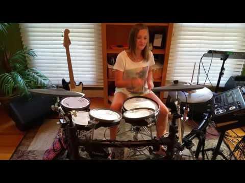 Mia / girl drummer (12-years old) / Green Day / Bang Bang