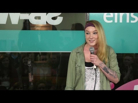 Jacqueline Feldmann - How women pee while standing - NightWash live