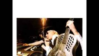 Johnny Winter playing blue mood