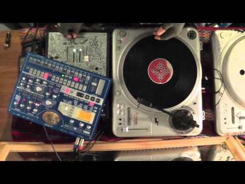 DJ chile - Core Techniques - Transformer scratch (plus a few variations)