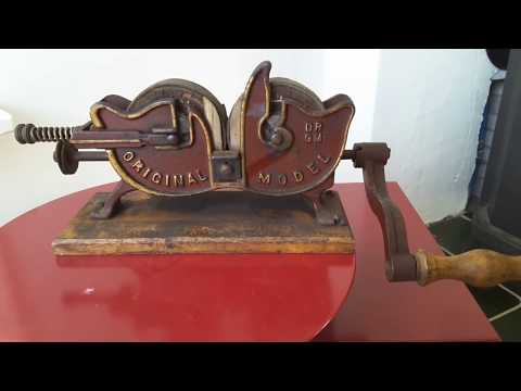 Antique knive sharpener D.R.G.M. C.robert kunde Dresden. Ca 1910. For sale