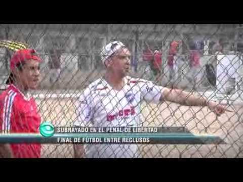 Final de campeonato de fútbol entre reclusos del Penal de Libertad
