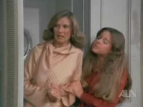 Phyllis S1E13 Phyllis And The Little People