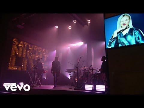 Natalia Nykiel - Kokosanki (Live On SNL)