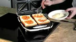 toasted sandwich with baked beans