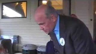 Sen. Fred Thompson meets another medical marijuana patient Thumbnail