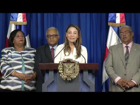 Coronavirus no está circulando en el país, lo que tenemos es un caso importado: ministro de Salud Pública tras reunión con Danilo Medina