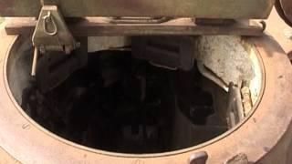 T-34 - czyszczenie czołgu w Skansenie Rzeki Pilicy