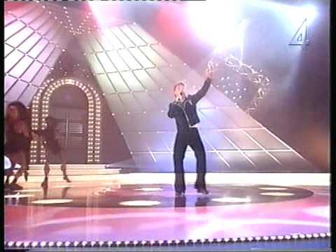 Mads Clausen som Björn Skifs i Sikta Mot Stjärnorna 1994