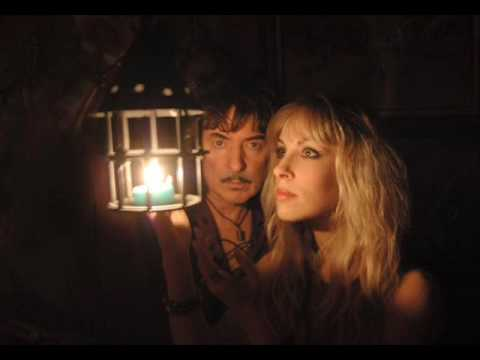 'Street of Dreams' ~ Blackmore's Night feat. Joe Lynn Turner