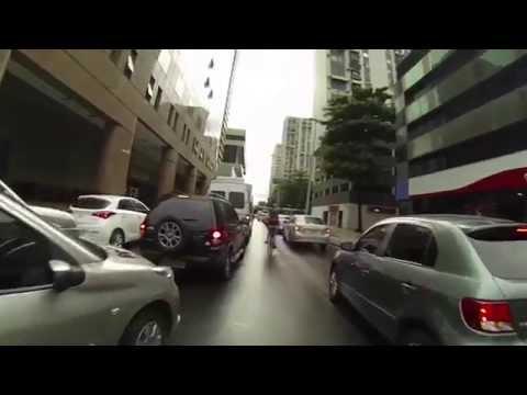 Renata Falzoni pedala no Rio de Janeiro durante prêmio de mobilidade | Bike é Legal