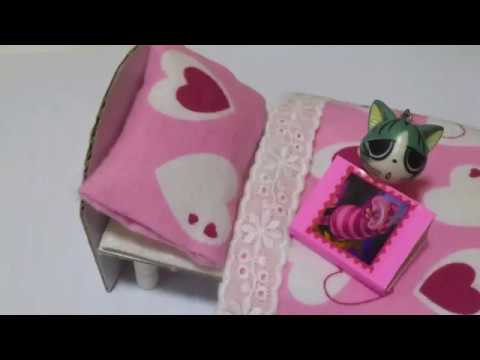 DIY Miniature doll bed made with cardboard