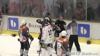 Hockey Fight - Robert Vavroch ( EHC Erfurt)  VS. Marcus Löffler ( EHV09 ) 23.12.2012