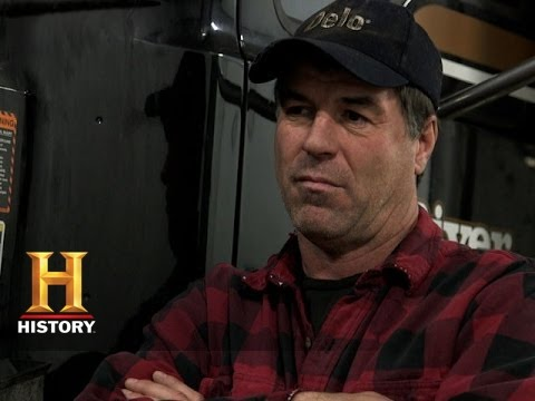 Download Ice Road Truckers: Darrell and Lisa's Truck Breaks Down (S9, E1) | History