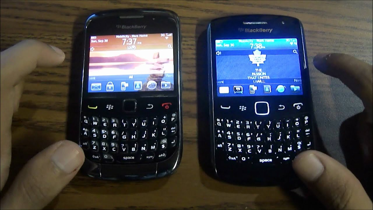 Blackberry curve 9300 vs 9360 review comparison for Housse blackberry curve 9300