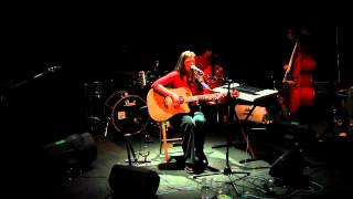Смотреть клип Margherita Vicario - Frollino