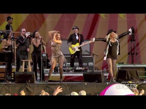 Christina Aguilera - Feel This Moment (Live)