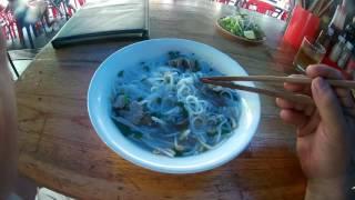 Нячанг 2016 Вьетнам.Рыбный суп за 40 000 донгов для туристов.(Этот суп из кафе,показанном в предыдущем видео. #вьетнам #нячанг., 2016-06-17T10:13:26.000Z)
