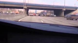 BMW M5 GOLD в потоке