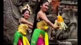 Download lagu Tari Taman Sari MP3