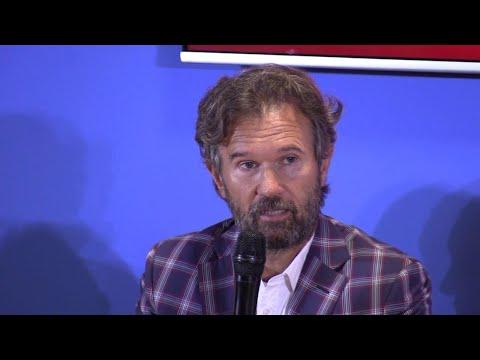 """Il ritorno di Cracco in tv: """"Basta con gli aspiranti chef Io cattivo? Anche Clint Eastwood ride"""""""