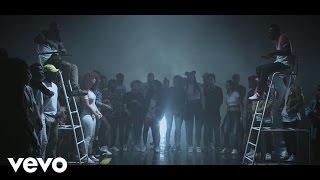 Смотреть клип Abou Debeing - Dansa Ft. Hcue