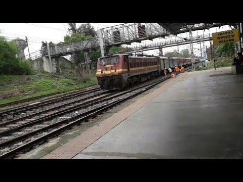 12471 Bdts Katra Swaraj Express At Its Best At Valsad