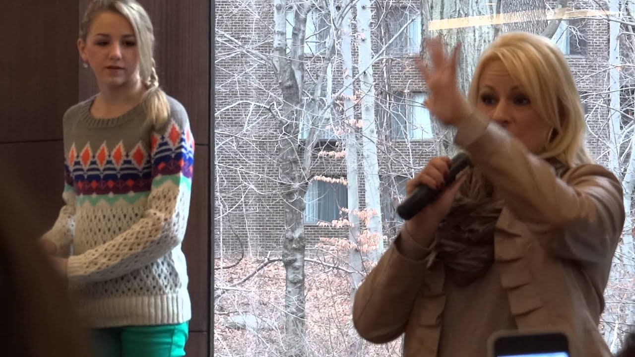 Chloe And Christie New Dec2013 Meet And Greet In New York Youtube