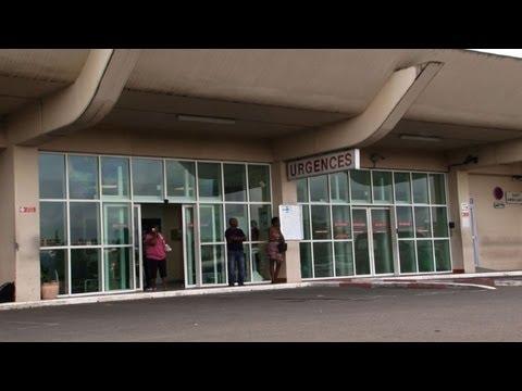 Johnny Hallyday remains in Caribbean hospital