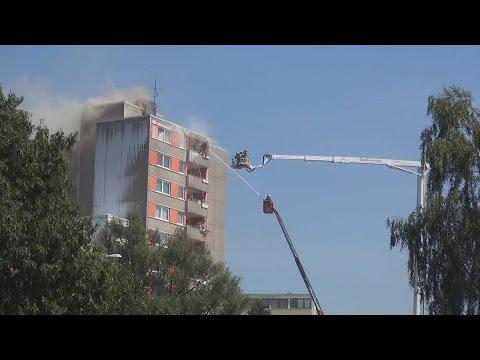 Hochhausbrand mit 5 Verletzten in Bonn-Limperich am 02.08.15 + O-Töne