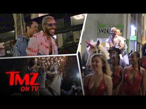 Sexy R&B Singer Rides A Unicorn Down An L.A. Street | TMZ TV