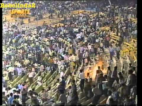 Butthurt Indian crowd burn down stadium because India are losing 1996