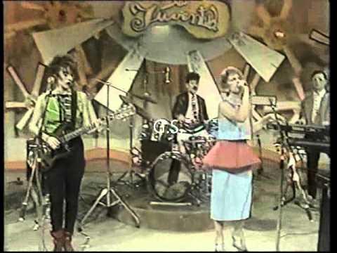 Viudas e Hijas de Roque Enroll  Hawaian II  Live Tv 1986