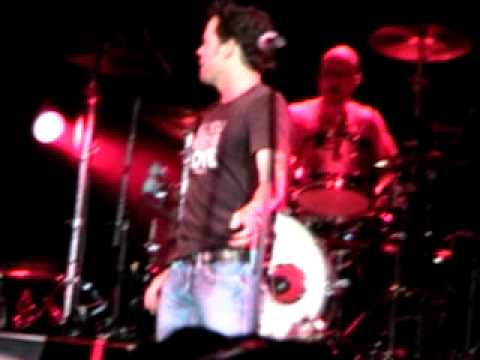 Gary Allan ~ As The Crow Flies Live @ The Woodlands