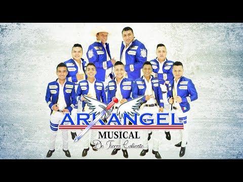 Como Pude Enamorarme (lyrics) - Arkangel Musical (Oficial 2017) (Lyrics)