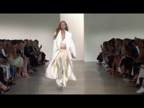 Calvin Klein Collection Women's Spring 2016 Runway Presentation