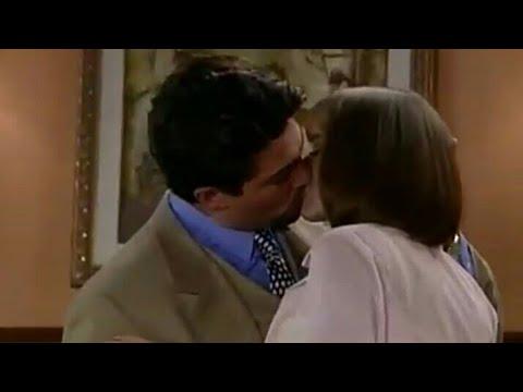 Cinta Paulina and Carlos Daniel kiss La Usurpadora
