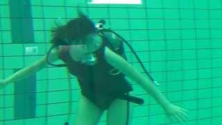 渡邊恵さんの水中撮影状況.